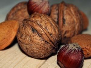 walnut-570416_1280