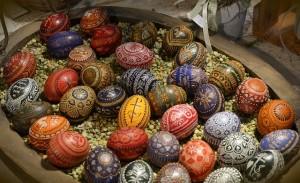 easter-eggs-599140_640