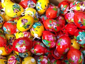 hand-painted-easter-eggs-700097_640