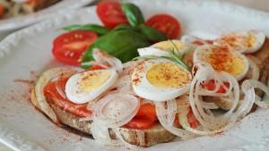 salmon-sandwich-855911_640