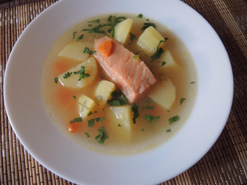 Суп из красной рыбы в мультиварке рецепт