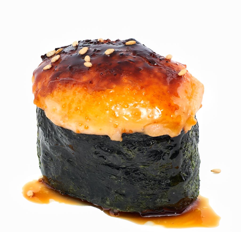 Запеченная-суши-в-ассортименте