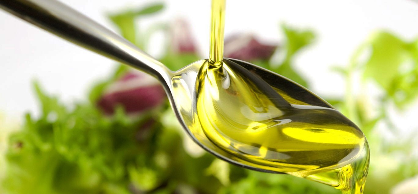 olio-extravergine-di-oliva--1366x636