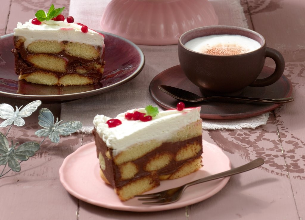 Loeffelbiskuit-Torte