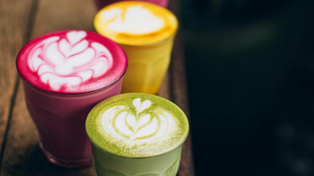 kunterbunter-kaffee-traum-diese-bunten-latte-macchiatos-sind-echte-hingucker (3)