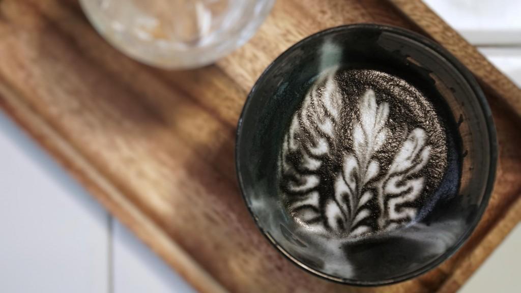 kunterbunter-kaffee-traum-diese-bunten-latte-macchiatos-sind-echte-hingucker (4)