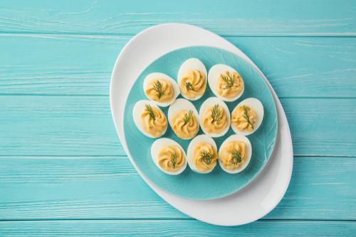 Ouă-umplute-cu-pate-de-porc